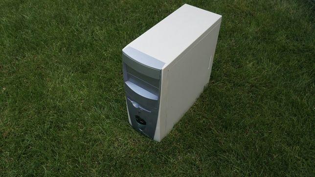 Komputer 3GHz z monitorem