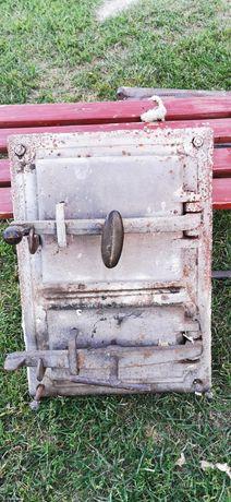 Drzwiczki podwójne do pieca kaflowego żeliwne