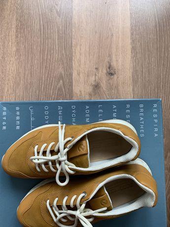 Кожаные желтые кроссовки ecco