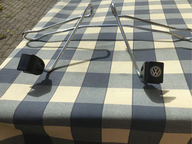 Samochodowy wieszak do ubrań volkswagena