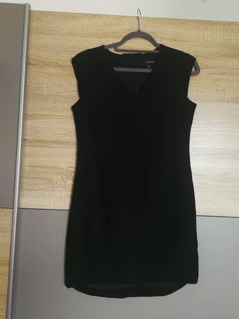 Czarna sukienka Reserved 38