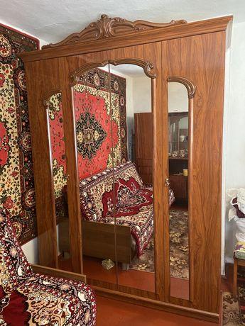 Продам шафу чотирьох дверну