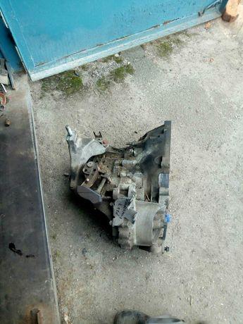 Коробка передач, подушка МКПП Форд Мондео мк-3, 2.0 td