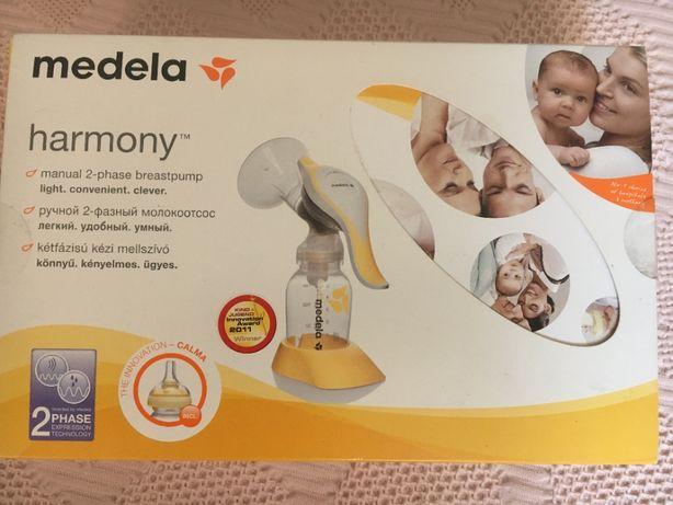Молокоотсос механический Medela Harmony соска Calma