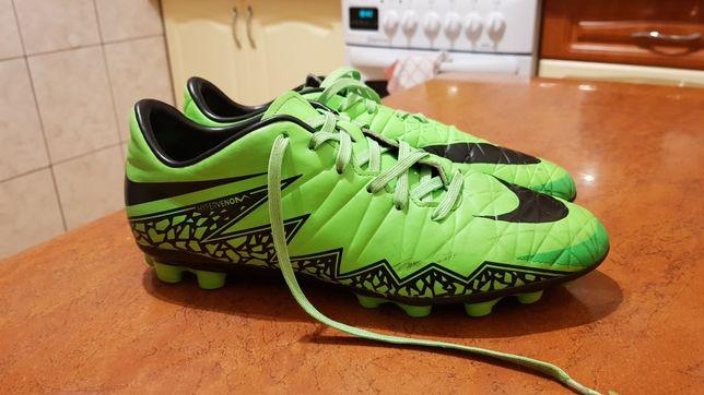Buty piłkarskie korki rozm.40