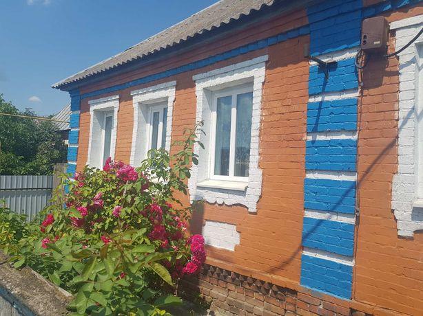 Будинок в затишному селі
