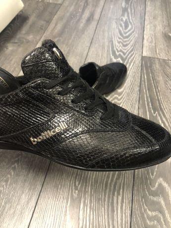 Продам оригинальные кросовки Италия