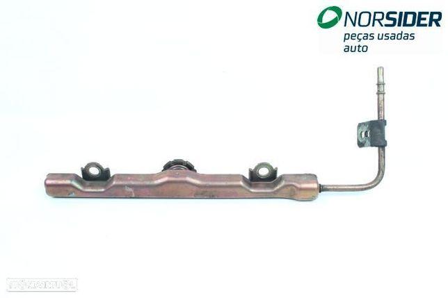 Regua / rampa de injectores Toyota Corolla Station Wagon|02-04