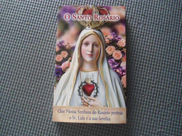 Rosário Dourado com livro de Orações, com caixa