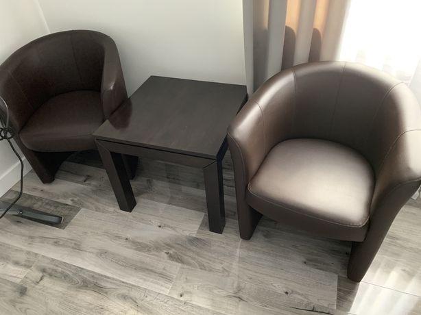 Fotele i stolik kawowy
