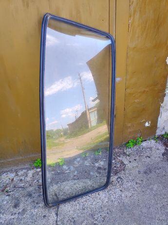 Продам задние  стекло  ваз 2106