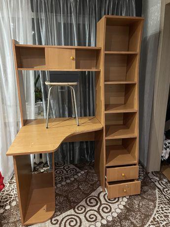 Комиьютерный стол  со шкафом
