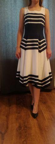 Sukienka biało-granatowa asymetryczna