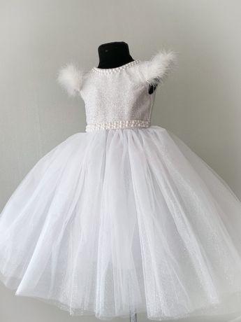 Нарядное платье белое  в наличии от 3 до 5 дет