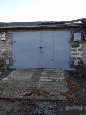 Продам капитальный двухуровневый гараж- 1 Площадка
