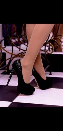 Туфли в камнях на шпильке