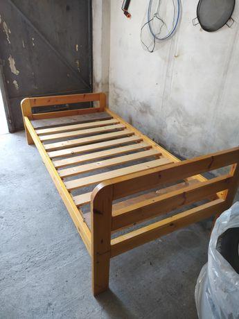 Łóżko pojedyncze, drewniane 190x90cm.