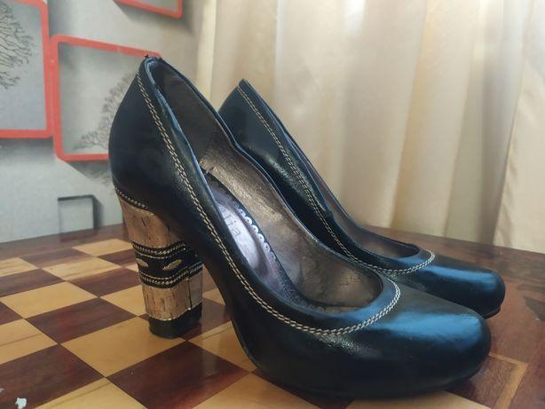 Туфли женские 37 розмир