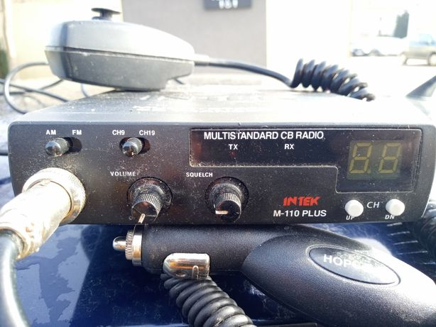 CB radio Intek M-110 plus z anteną Delta 875