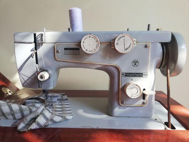 машина швейная ножная Подольск 142
