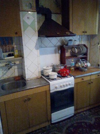 Сдам 2-комнатную квартиру 2/4 в центре города Николаевки с мебелью .