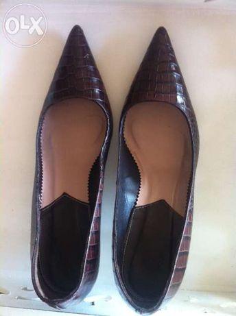 Sapatos em pele nº39 Zara cobra