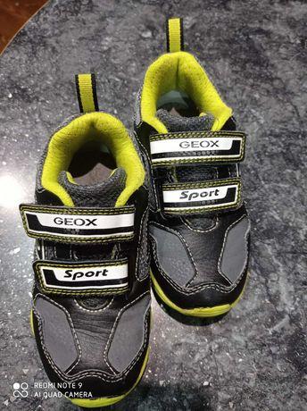 Дитячі кроссівки Geox