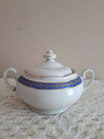 Porcelanowa cukierniczka Wawel.