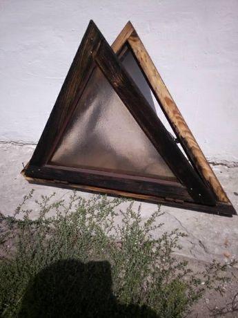 Okno trójkątne