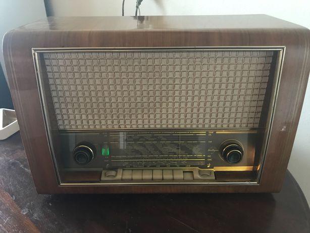 Radio antigo Sondyna