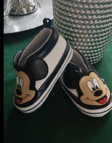 Mickey Mouse buciki rozm 18 (6-9 m-cy) chłopiec/ stan idealny