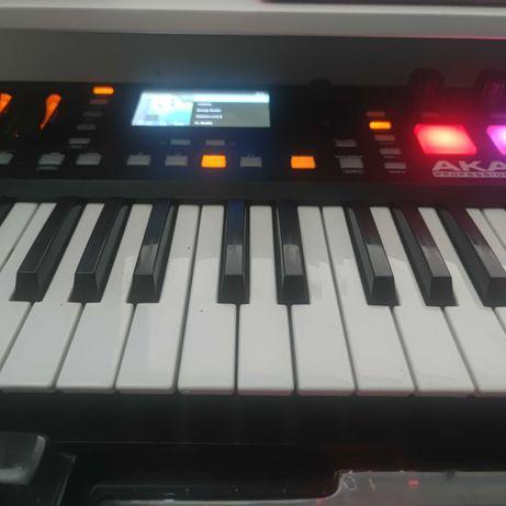 Akai Advance midi keyboard