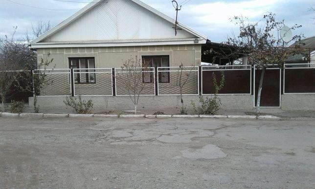 Дом в центре г. Рени