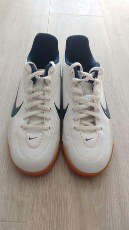 Новые футзалки, бампы Nike Rio II IC