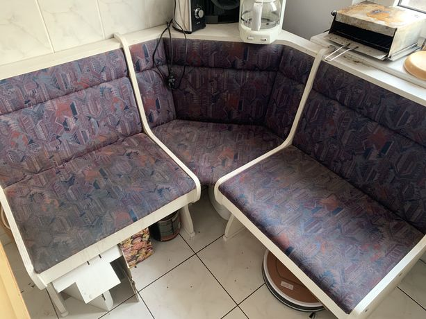 Narożnik kuchenny biały + krzesła