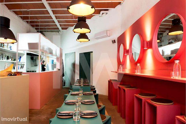 Restaurante/Bar renovado, para trespasse no Bairro Alto