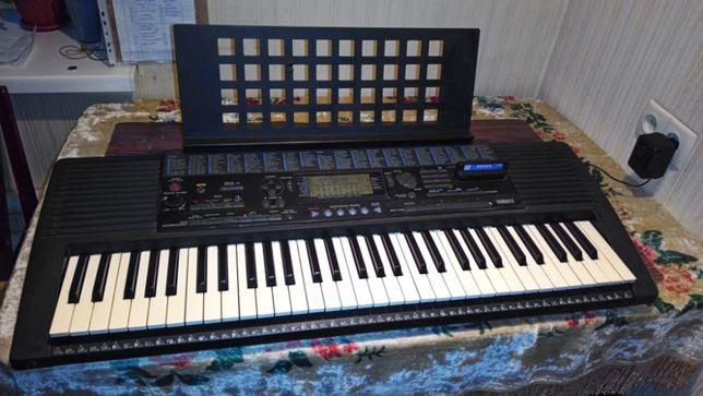 Продам синтезатор Yamaha PSR 320