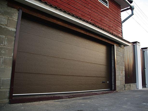 Секционные автоматические гаражные ворота Gant , Alutech, роллеты.
