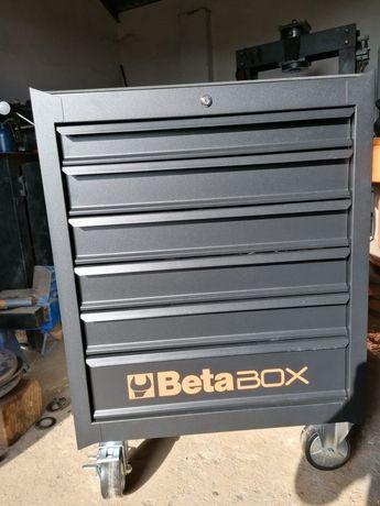 Caixa de ferramentas nova ainda na caixa