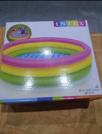 Надувной бассейн Intex 1,47*33