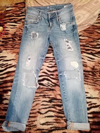 Продам срочно джинсы
