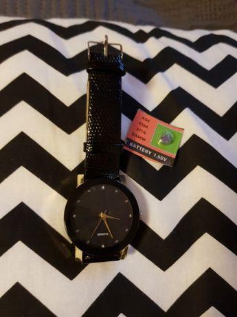Czarny zegarek damski bateria gratis