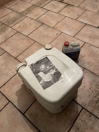 Toaleta turystyczna przenisna