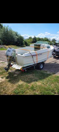łódź motorowa wedkarska kabinowa
