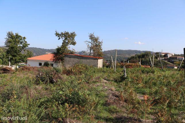 Lote de Terreno  Venda em Lustosa e Barrosas (Santo Estêvão),Lousada