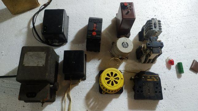 Электроприборы, трансформаторы, автоматы, реле