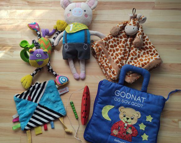 Первые игрушки для вашего малыша