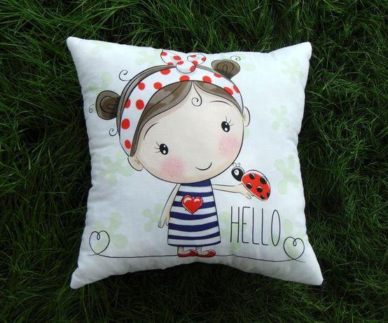 Декоративная диванная подушка для детской (наволочка съемная)
