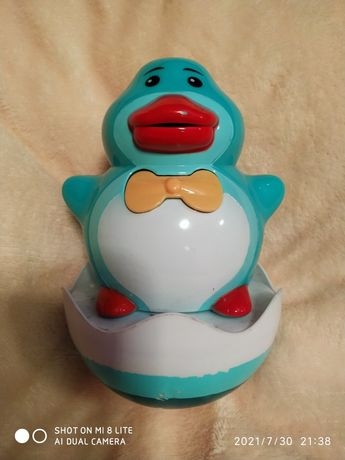 Неваляшка пингвин, музыкальная игрушка