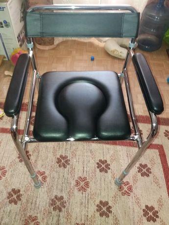 Стул-кресло для инвалидов